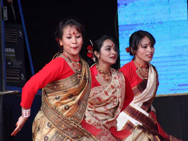 Students presenting Bihu dance at Acharya Habba 2013