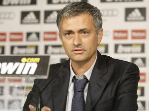 Jose Mourinho hints at Chelsea return