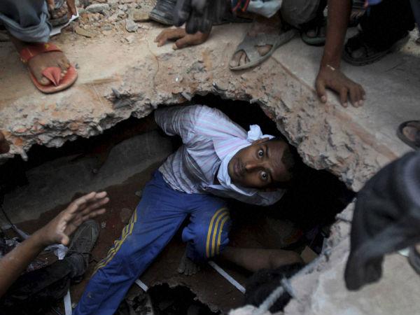 bangladesh-rescue-worker