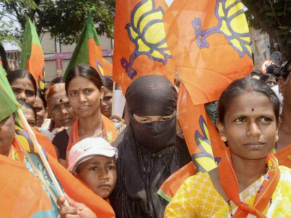 karnataka-polls-bjp-supporters