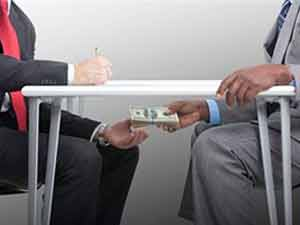 Bank officials held over $1.5 mn bribe