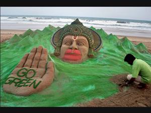 Indian sand artist Sudarsan makes it big