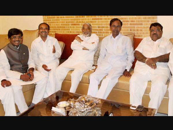 Two Cong MPs join TRS