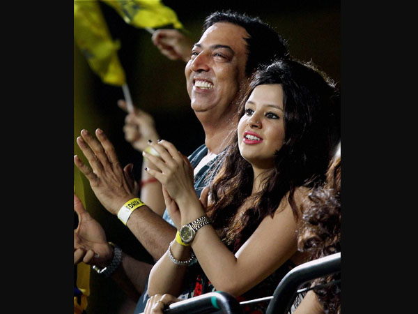 Vindoo with Sakshi Dhoni