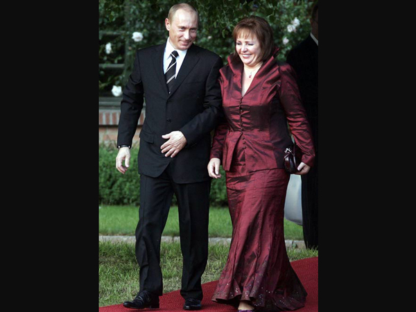 Russian President Putin, wife announce divorce after 30 yrs