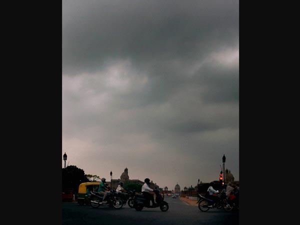 clouds-over-new-delhi