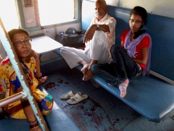 bihar-attacked-train