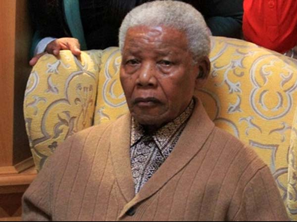 Nelson Mandela on life support system