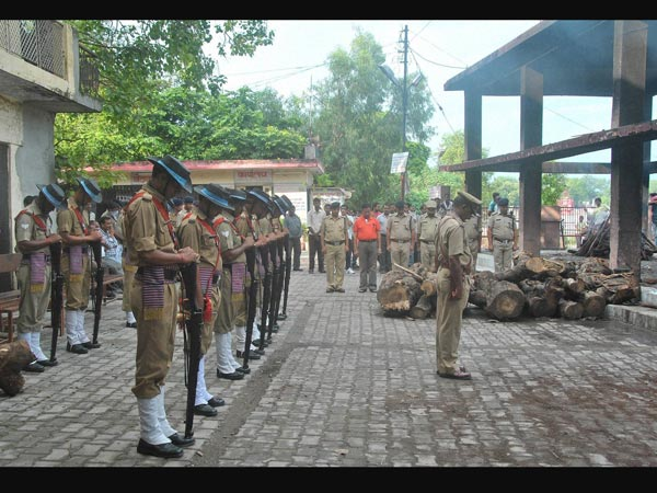 IAF pays tribute to officers who died