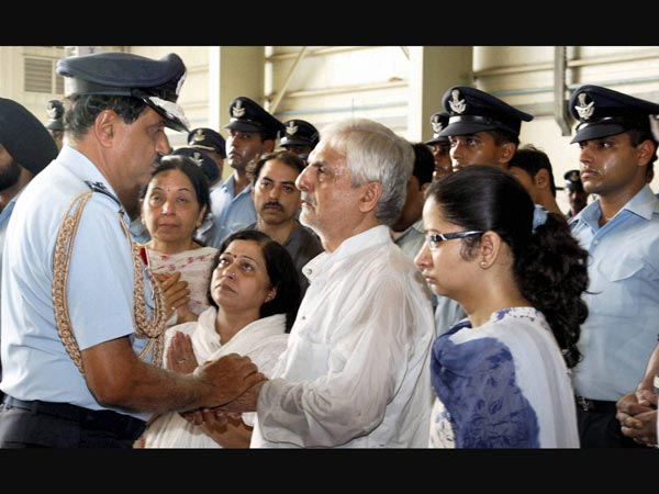 Consoling family members of bravehearts
