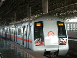 delhi-metro-train