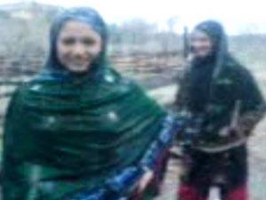 pak-sisters-dancing-in-rain