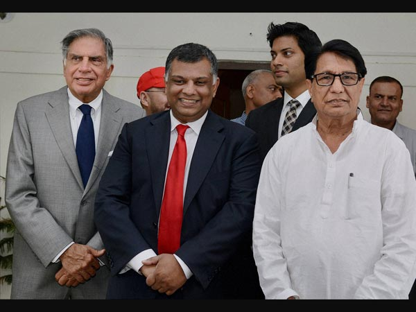 Ratan Tata, AirAsia chief Fernandes meet Aviation Minister