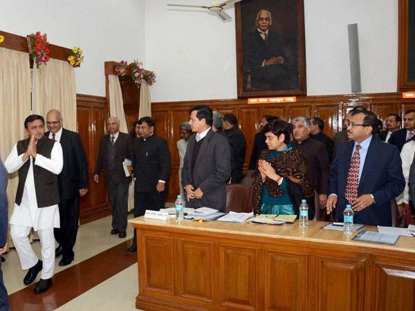 Beni's remarks against SP supremo 'unfortunate': Akhilesh