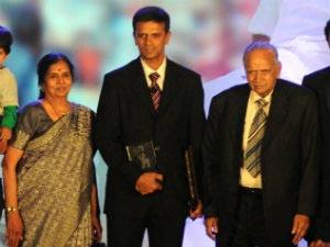 Rahul Dravid's father passes away