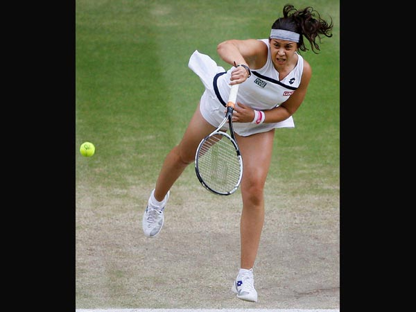 Marion Bartoli wins in semi-final