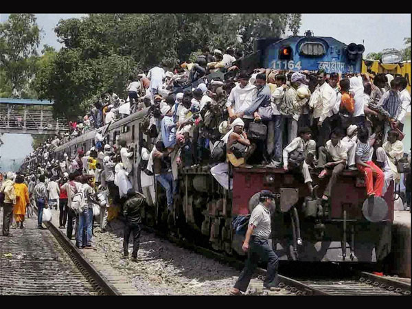 Unique India: A overcrowded train