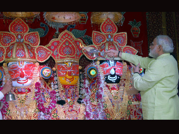 Modi seeks blessings from Lord Jagannath