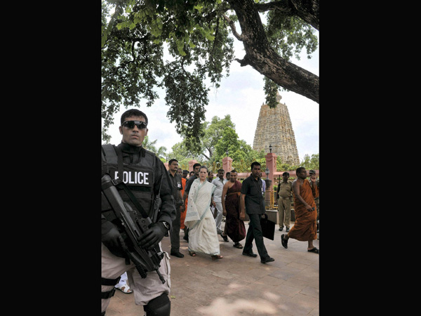 UPA Chairperson Sonia Gandhi arrives at Mahabodhi Temple