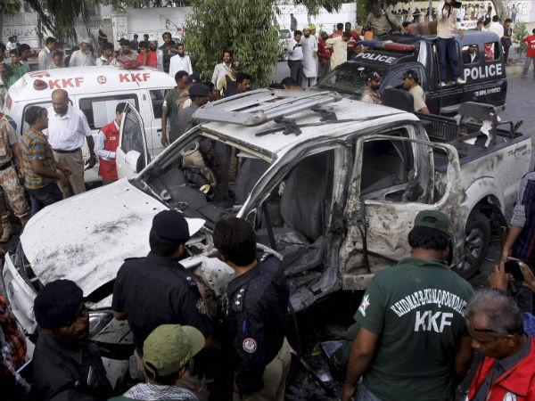 zardari-security-officer-car