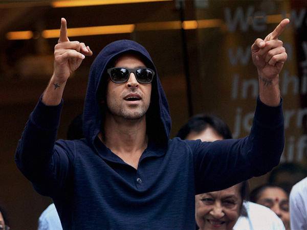 Hrithik Roshan undergoes brain surgery