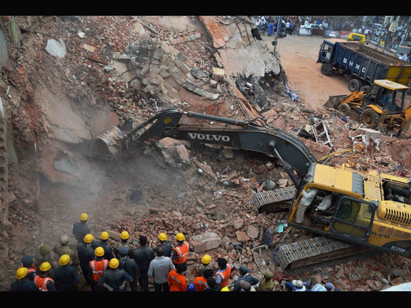 Hotel collapses oin Secunderabad
