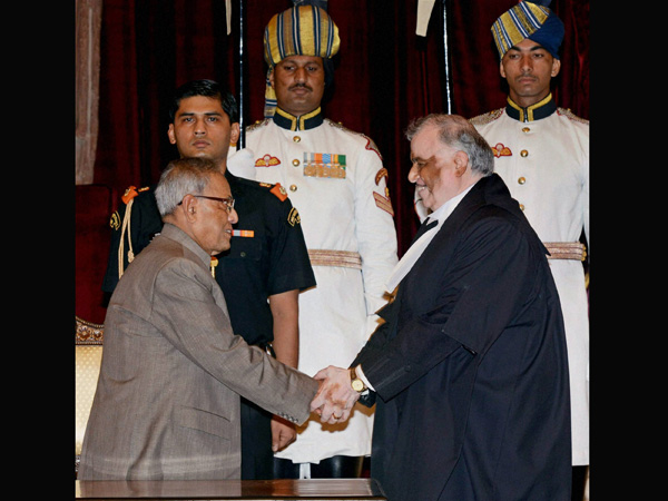 President greets the new Chief Justice of India Justice P Sathasivam