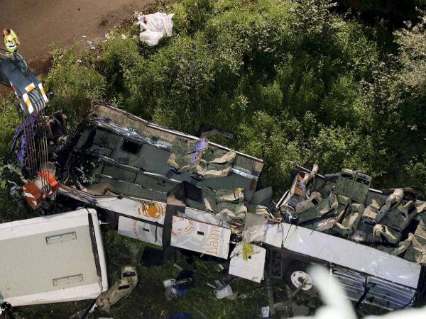 italy-bus-wreckage