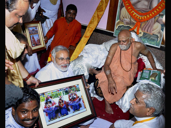 Modi at Jagannath temple in Puri