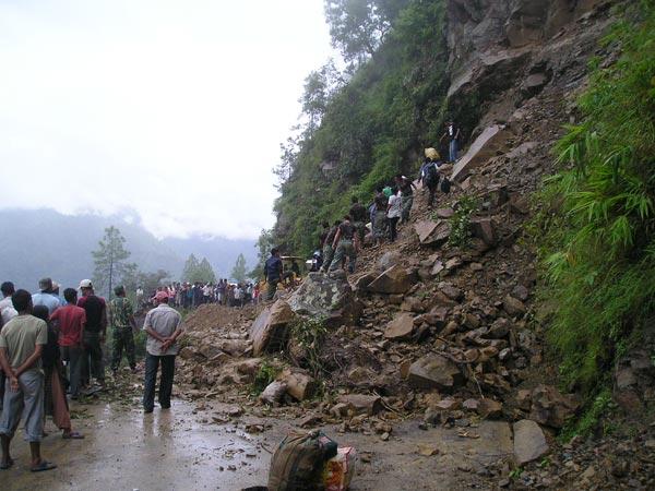 Landslides claim 9 lives in Kerala