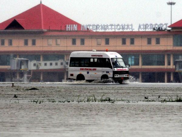 kochi-airport-flooded