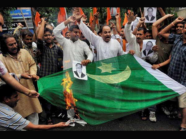 Protests outside Pak High Commission