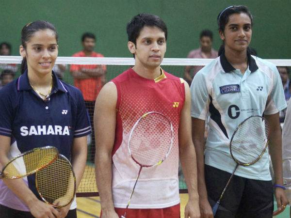 Indian shuttlers advances to pre-quaters