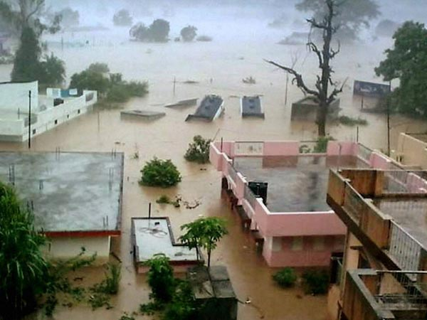 Heavy rains lashed U'khand