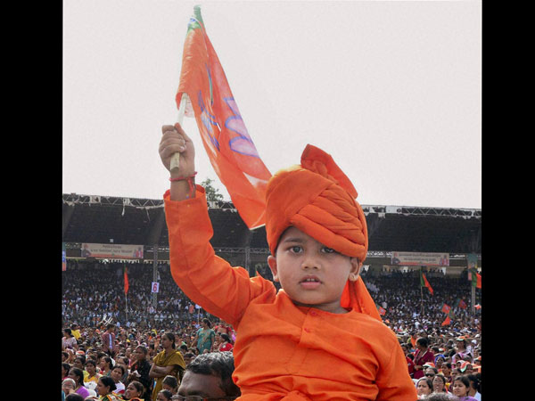 A kid dressed as Swami Vivekananda