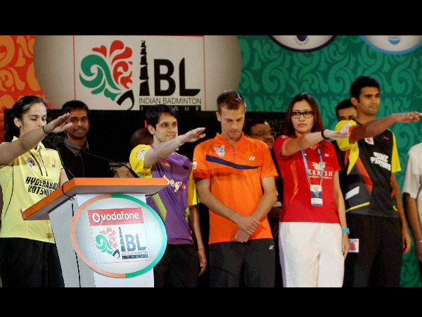 Saina Nehwal, Jwala Gutta, P. Kashyap and others take oath during the opening ceremony of the Indian Badminton League in New Delhi on Wednesday (August 14)