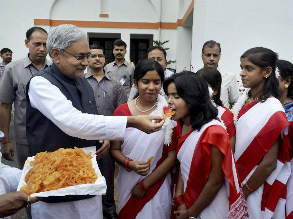 Communal harmony is must, says Nitish