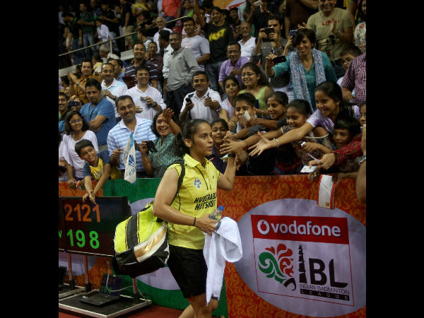 Fans cheer Saina Nehwal after winning against PV Sindhu