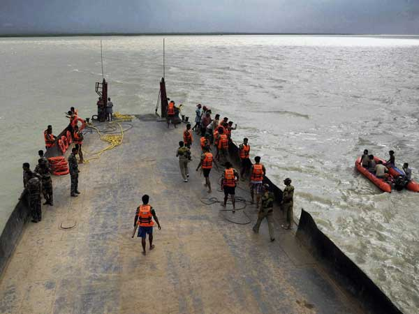 Boat capsized in river Ganga in Malda