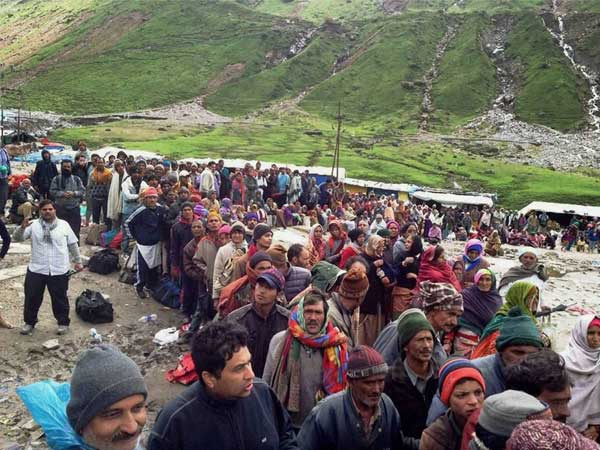 U'khand: Relief cheques to poor people