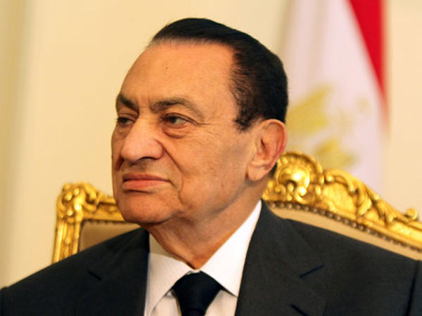 Mubarak appears in court to face charges