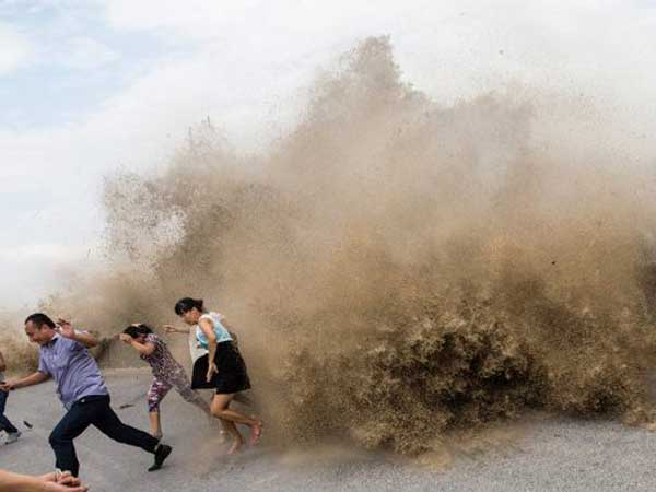 China: Typhoon kills two, injures many