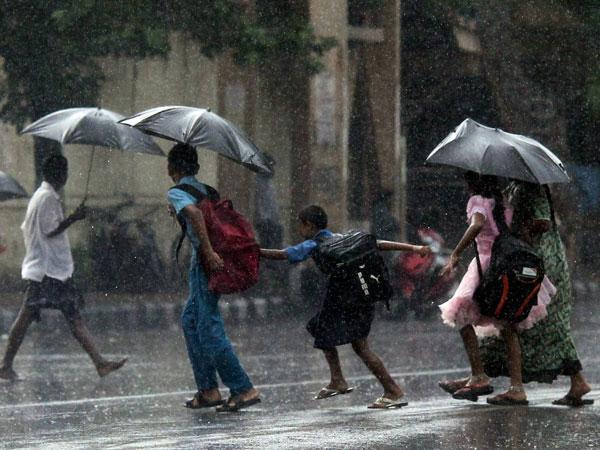 Moderate rain in North India