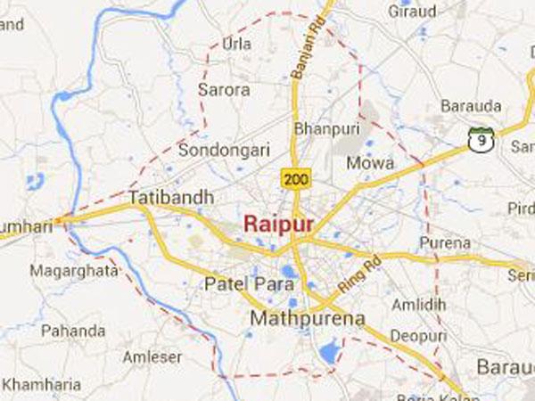Raipur: Potholes named after politicians