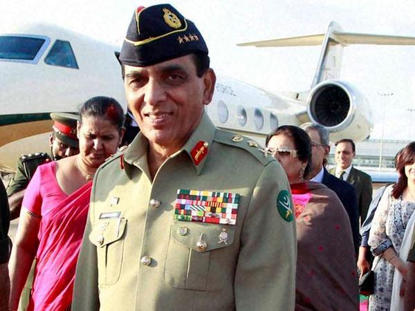 Pak Army chief visits  Kashmir border