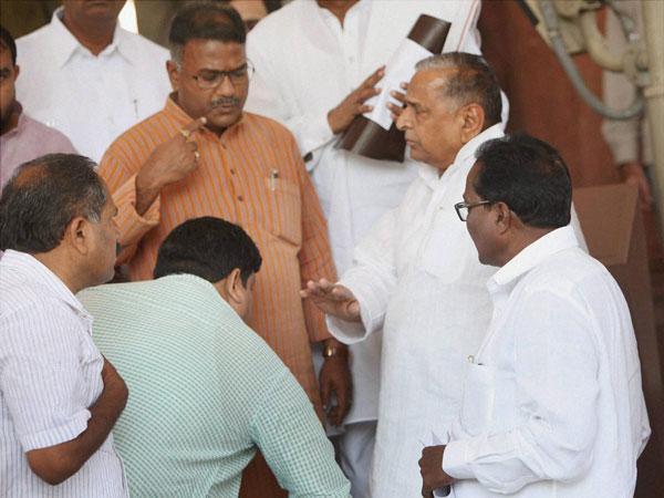 Incursions create uproar in Parliament