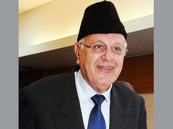 Farooq Abdullah slams Geelani