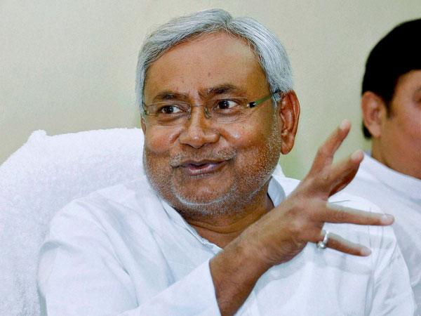 Nitish unveiled Patel's statue in Bihar