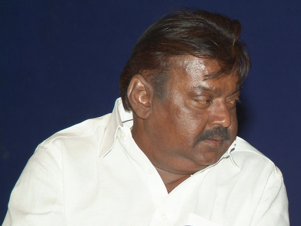 Defamation: Vijaykanth appears in court