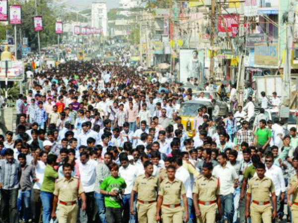 Protest in Delhi for united Andhra